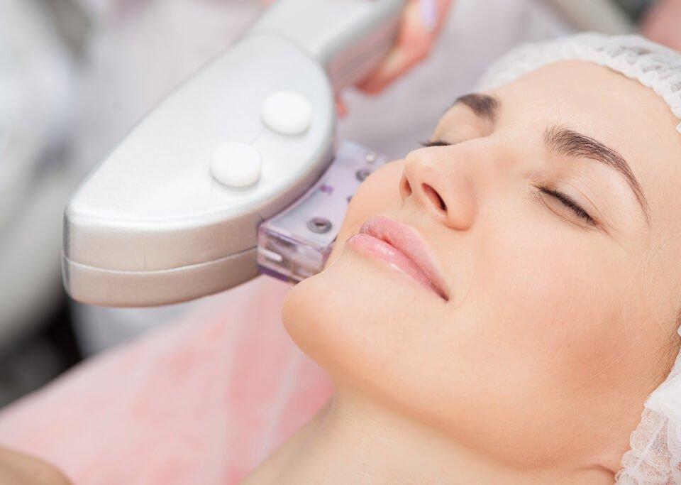 Fotoodmładzanie - zabieg odmładzania skóry laserem